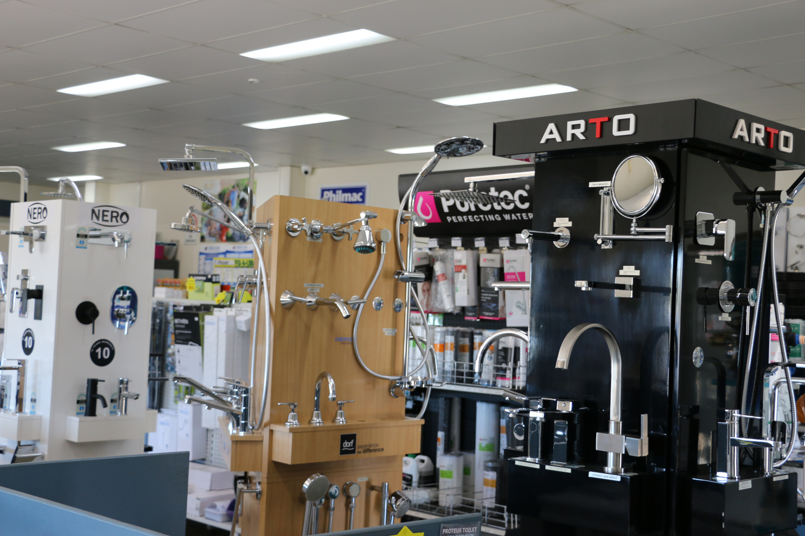 bathroom plumbing supplies in our large modern showroom